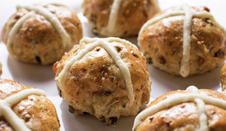 Hot Cross Buns with Pistachios